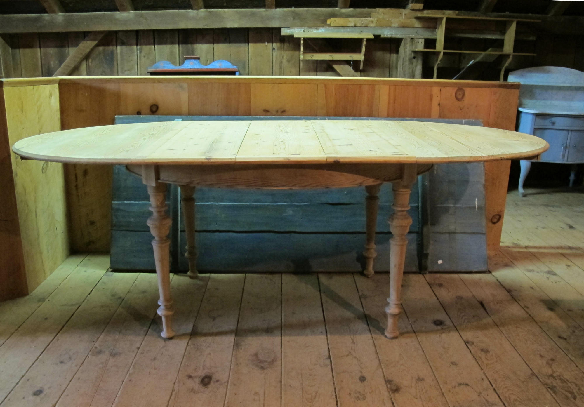... Antique Oval Danish Table