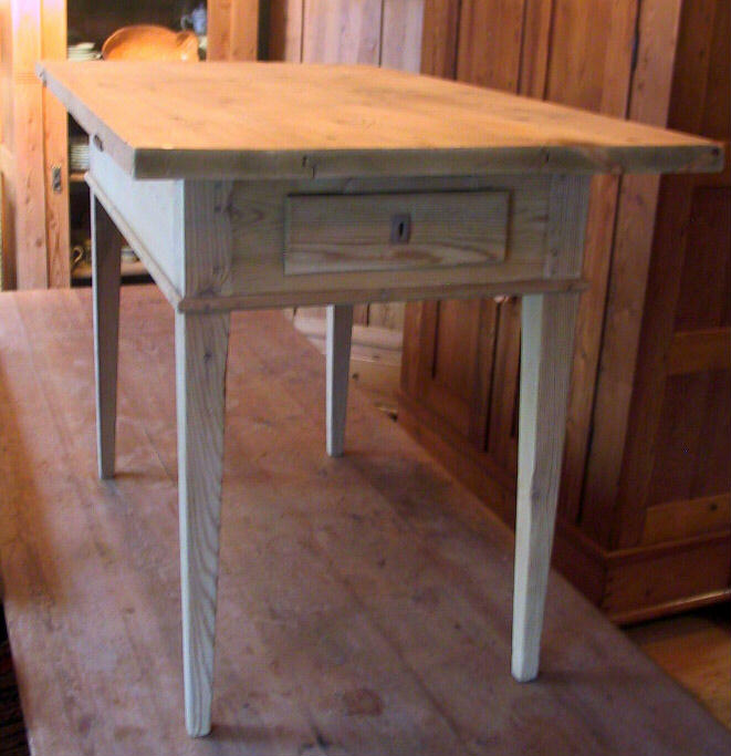 The Country Gallery - Tea & Coffee Tables